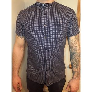 Reaction Kenneth Cole Button Down Top Size Medium